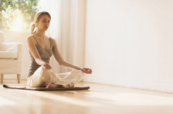 Manage stress with mindfulness meditation