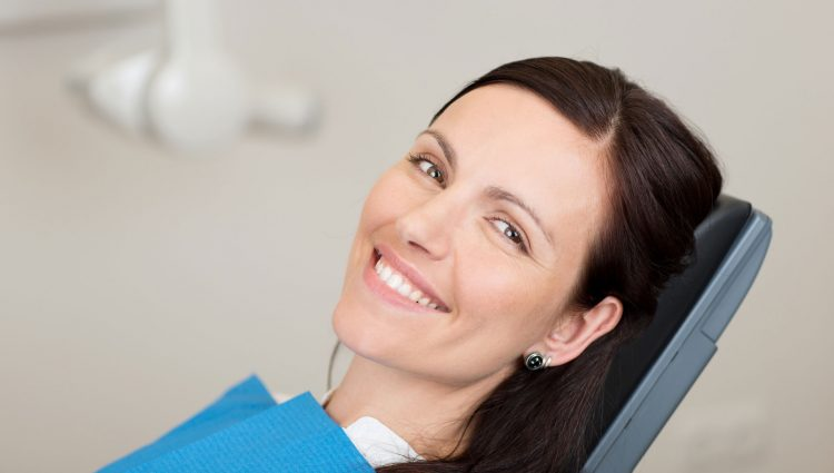 Be aware of the most outstanding benefits of dental cleaning